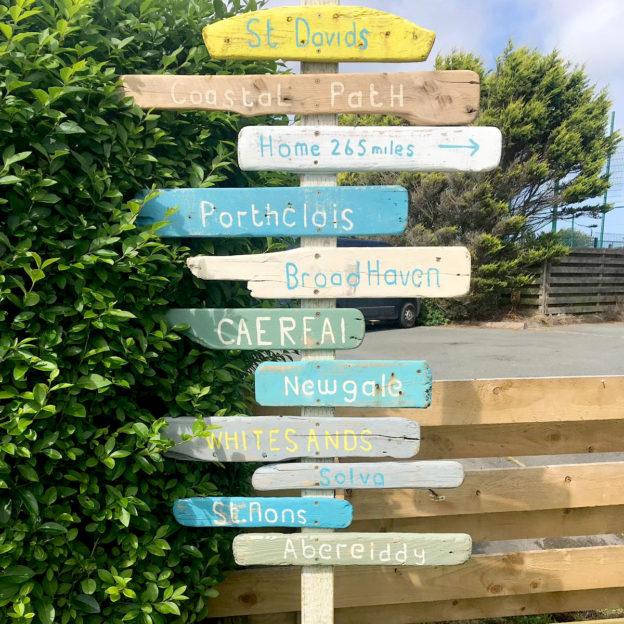 driftwood-signpost